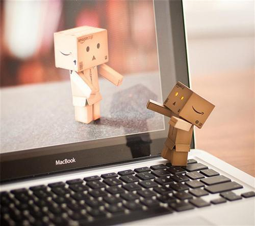 How many of you have had success with long-distance relationships?