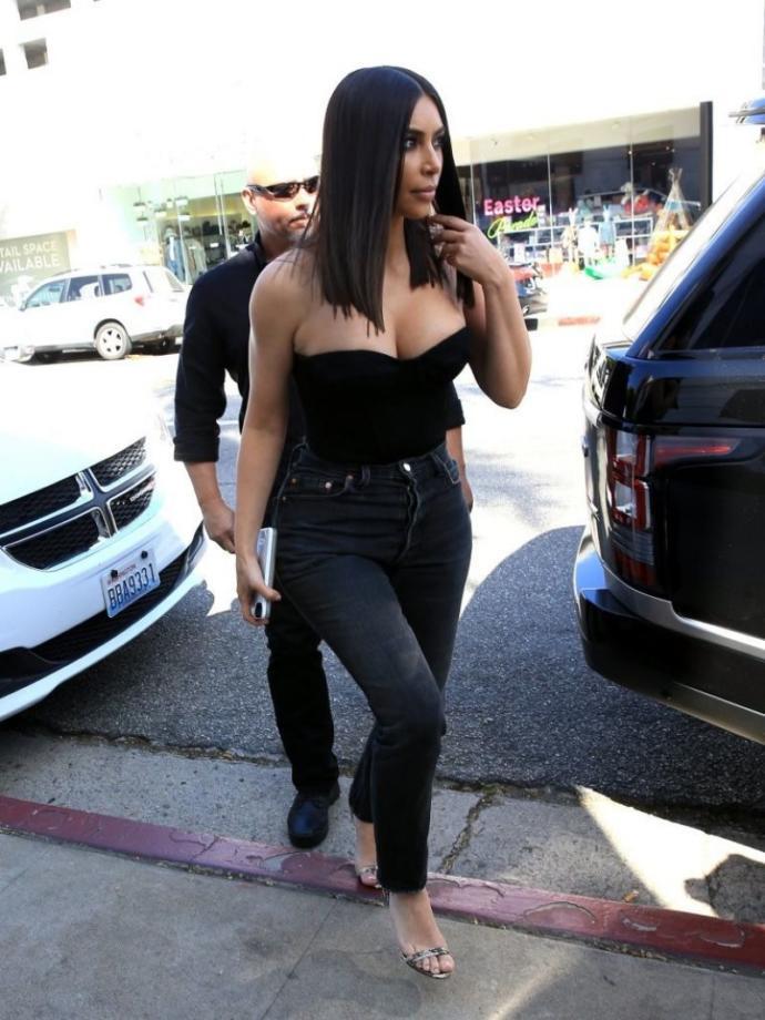 high waisted jeans on kim kardashian