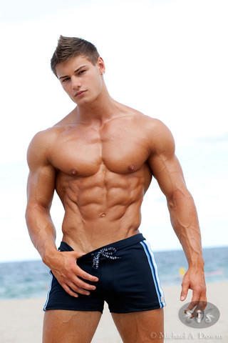 Which guy is more attractive, Jeff Seid or Zyzz?