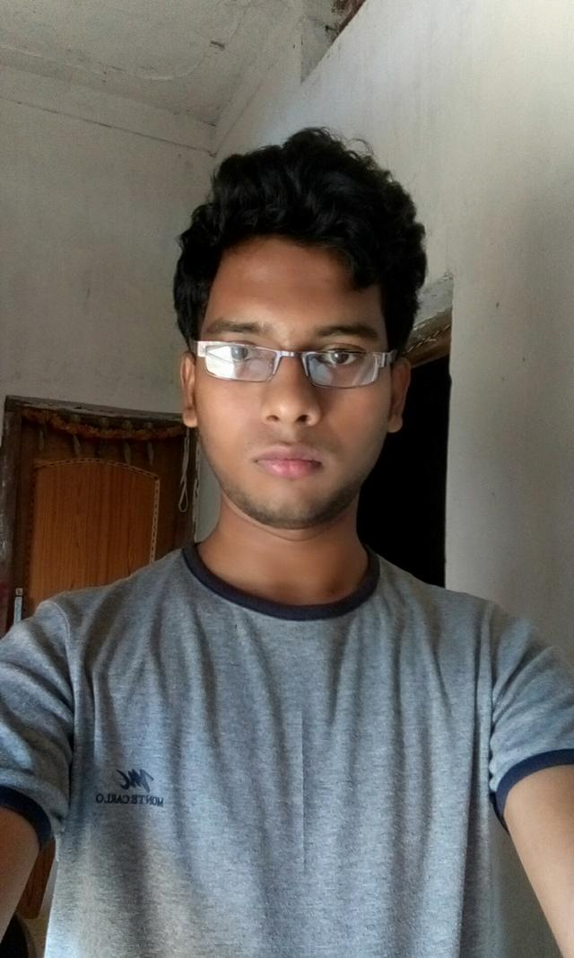Girls, On a scale 1 to 10, how do I look? Comment please. ?