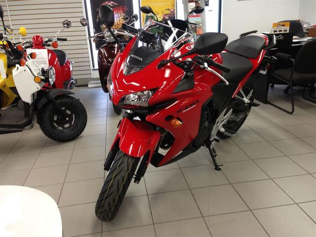 Which color motorcycle looks better?