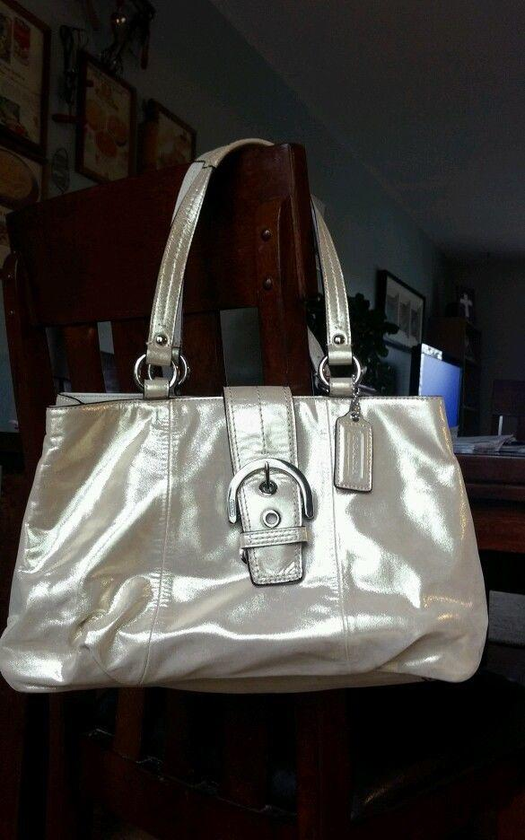 Girls, Girls do y'all think this new purse I got is cute?