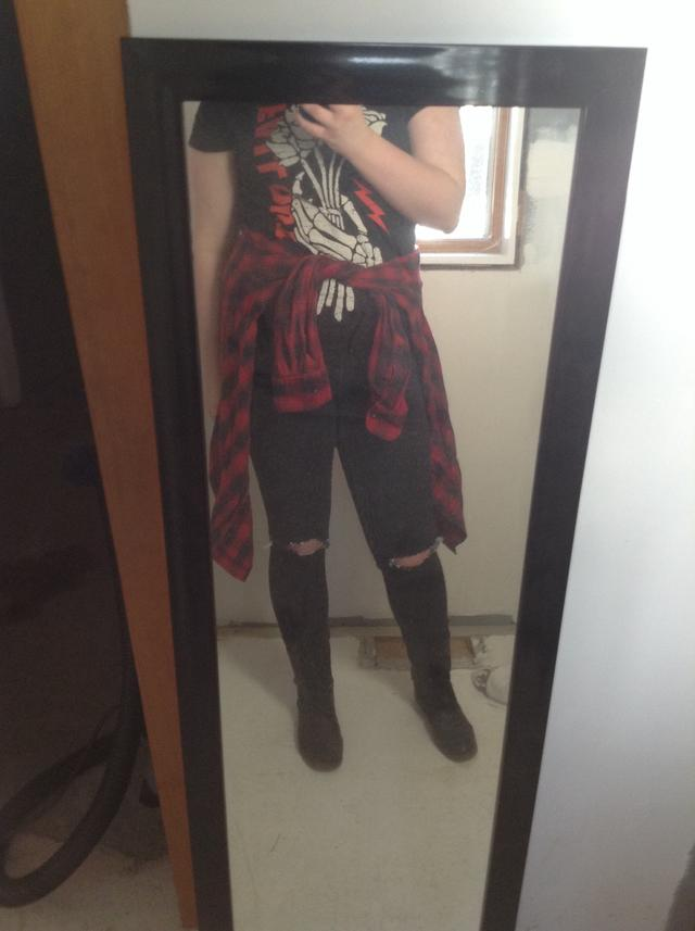 is this outfit cute for a party?