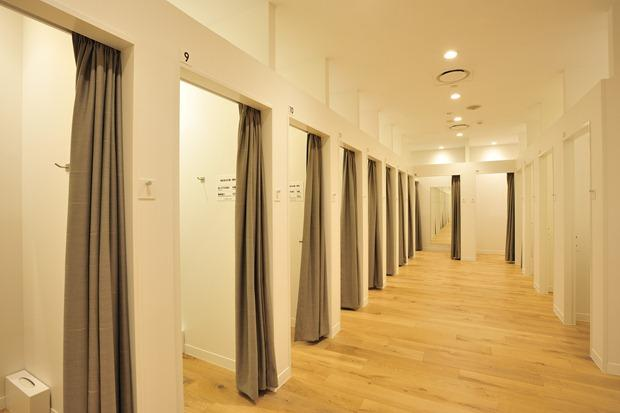 Have you ever accidentally seen someone of the opposite gender in a changing room?