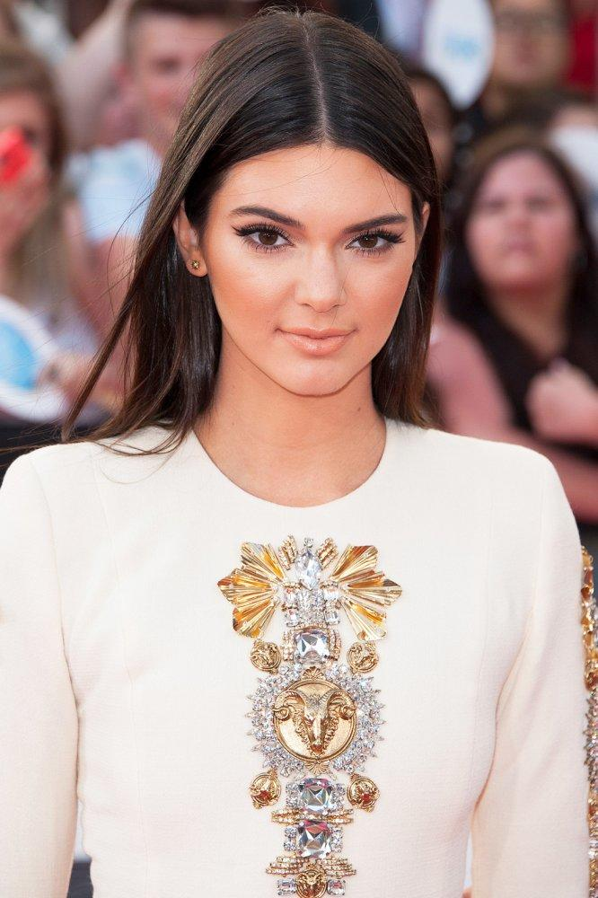 Guys, Rate Kendall Jenner?