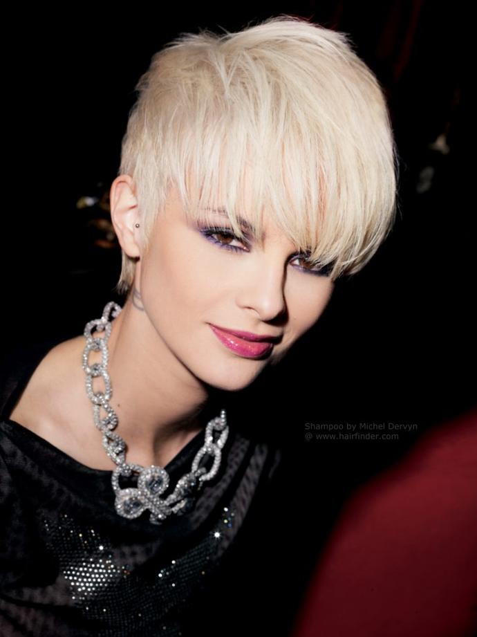 Girls, do you think the pixiehaircut is a cute wedding hairstyle?