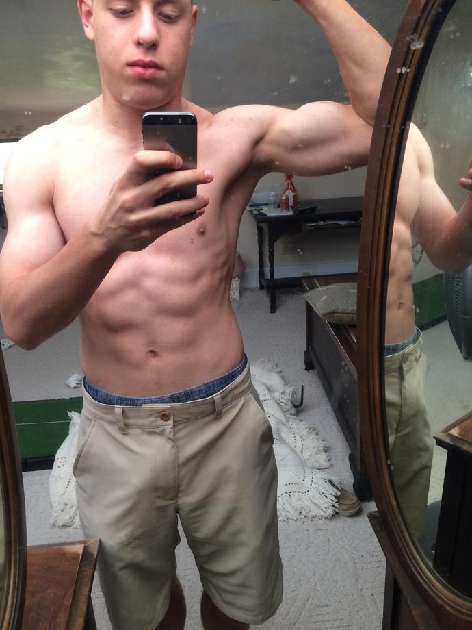 Girls, how is my bicep?
