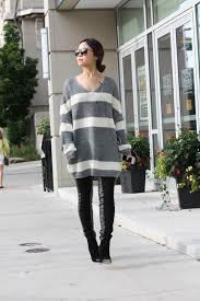 Guys, Would it be unattractive if  a girl were to wear big oversized sweatshirts and tights every single day?
