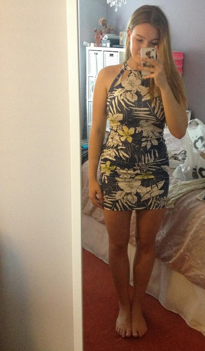 What shoes should I wear with this dress?