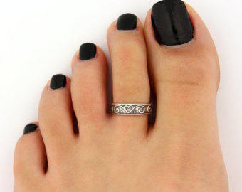 Toe rings? Yes or No?