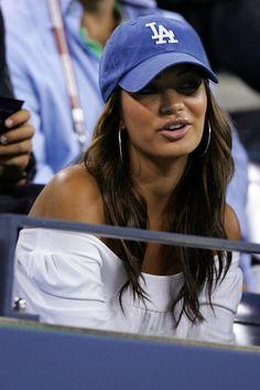 Guys, Do you like it girls wearing baseball cap with a white tshirt and jeans?