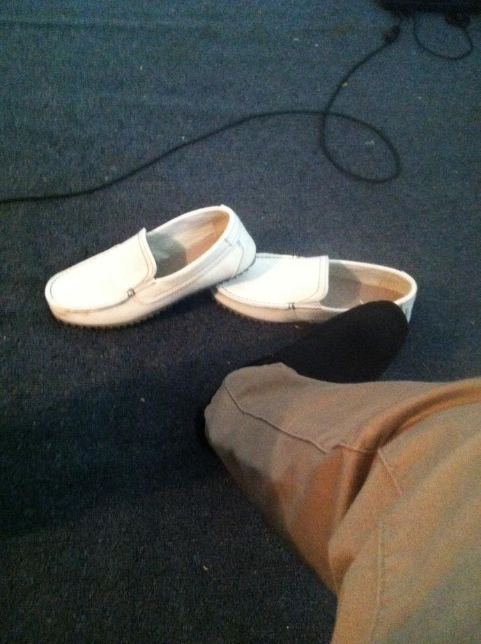 What color shoes should I wear for this interview?