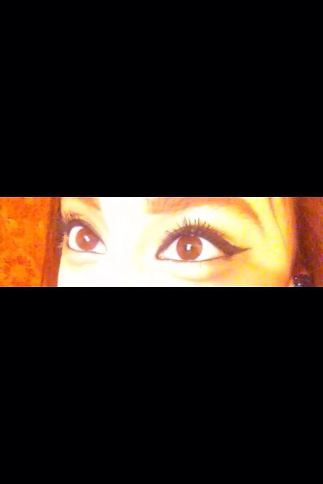 What color are my eye 👀 ?
