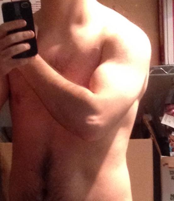 Girls, How do I look? Am I fat?