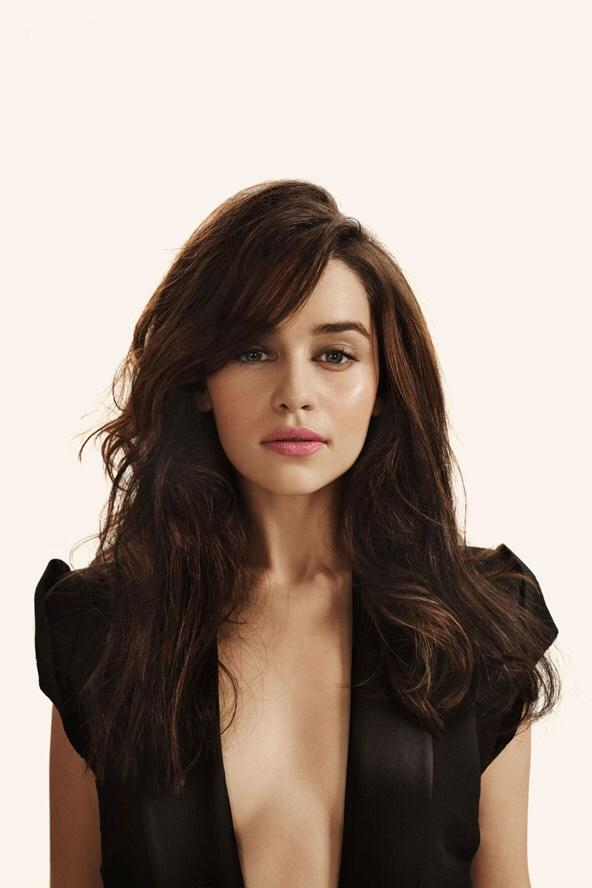 Emilia Clarke Vs Jennifer Lawrence - Who's the most attractive?