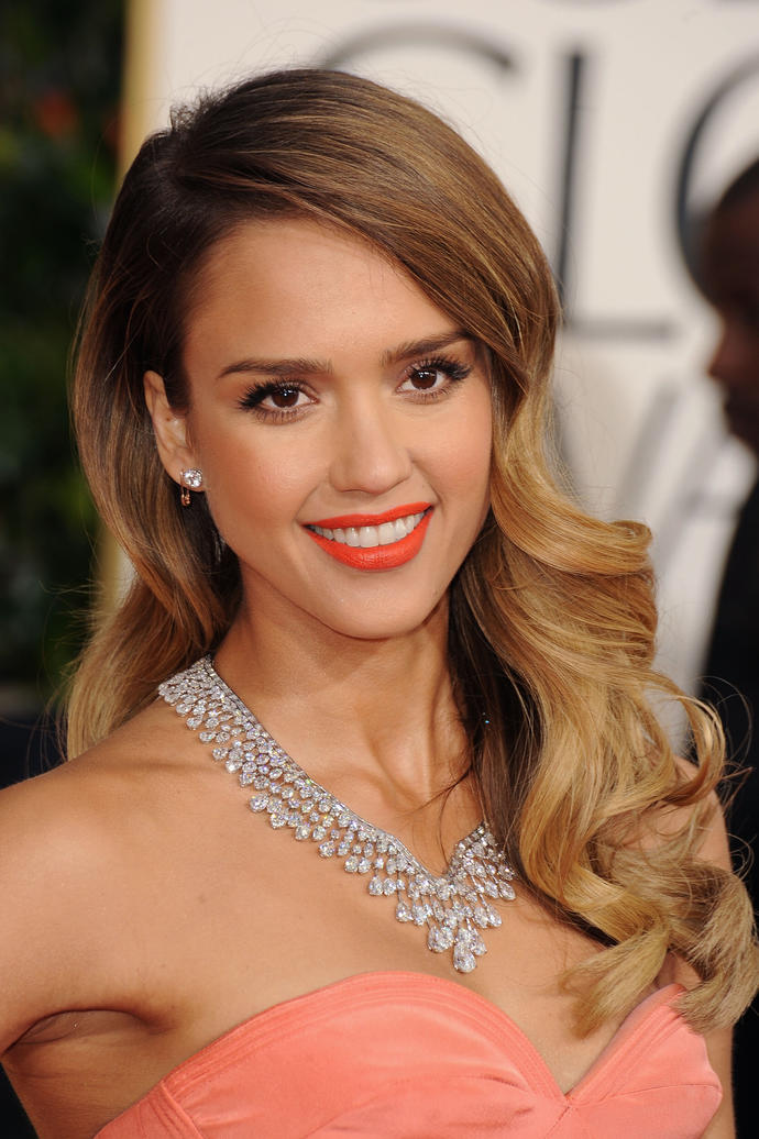 How does Jessica Alba look?