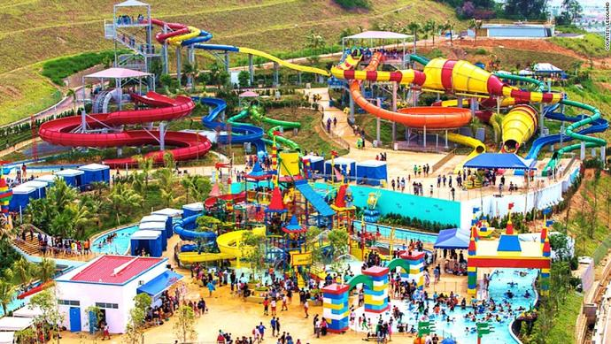If you had to spend a day in this waterpark with another GAGer then who would you pick?