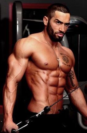 Do girls like muscles?