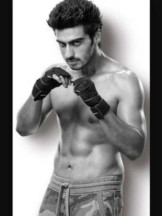 Arjun kapoor indian actor Is he hot?