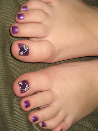 Rate the attractiveness of these feet out of 10?
