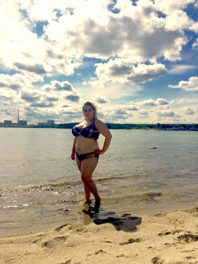 Do you think a fat girl can look good in a bikini?