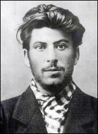 OMG Joseph Stalin was so handsome how he turned to a dictator?
