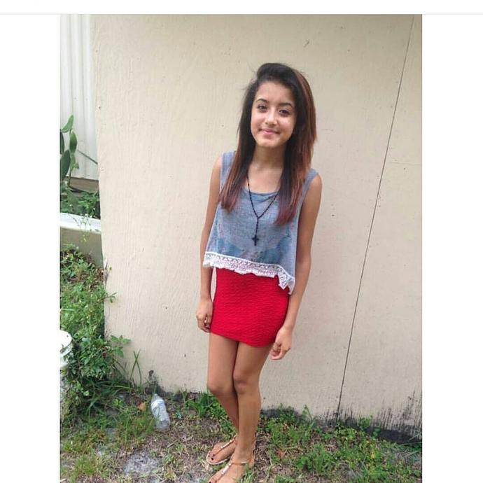 Girls, What type of skirt is this girl wearing?