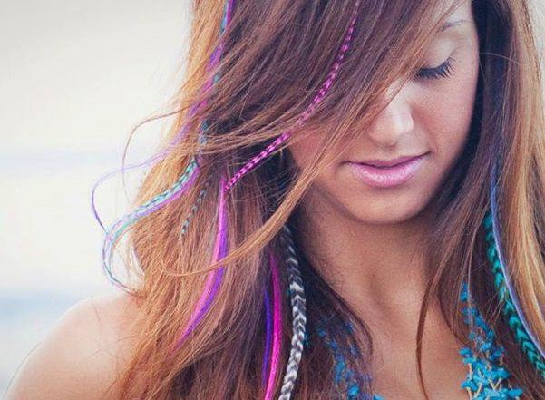 What do you think of feather hair extensions? Do you think they are nice and stylish?