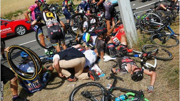 question about the tour de france! Was it a right decision to make the race yesterday neutral after the big crash (see picture)??