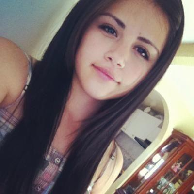 Is she looks like someone else? How would you rate her? What is her first impression to you?<br />