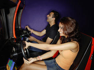 Girls, a date at an arcade? Think you might enjoy that?