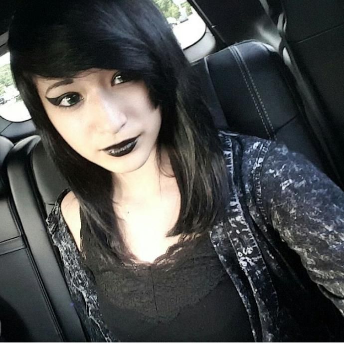 Is she attractive/ pretty? Honest opinions please !?