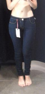 Guys, is this jeans looks good on me? (photo)?
