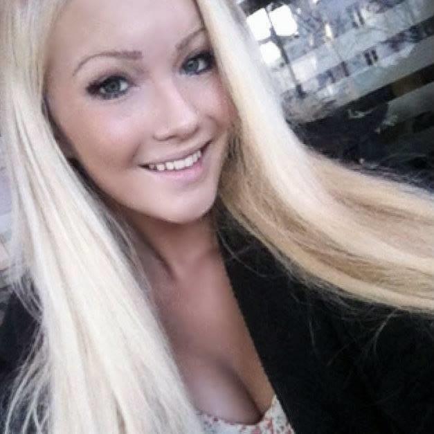 Blonde or Brunette? HELP?