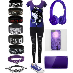 What do you think of this outfit? Yes I know its emo but what do you think?