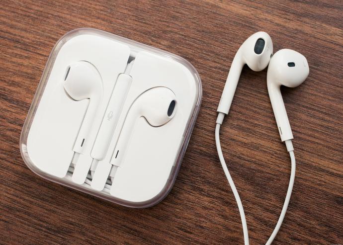 Apple headphones: do you like them?