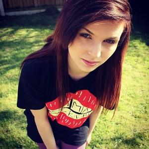 think she is so beautiful, what do we think of emma blackery?