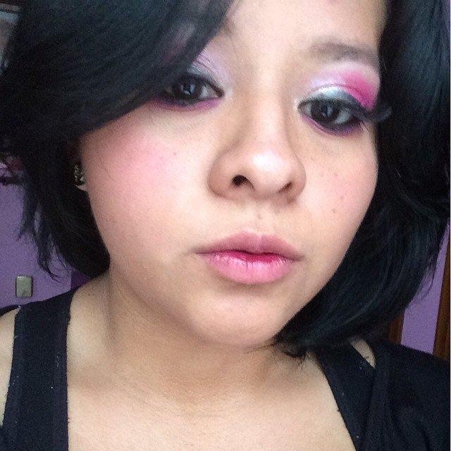 Is this kind of maquillage too much?