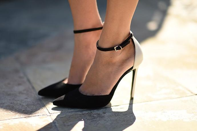 I'm a big fan of women in closed toe heels (pointy toed stilettos are my favorite on a woman!) Which pair do you like best?