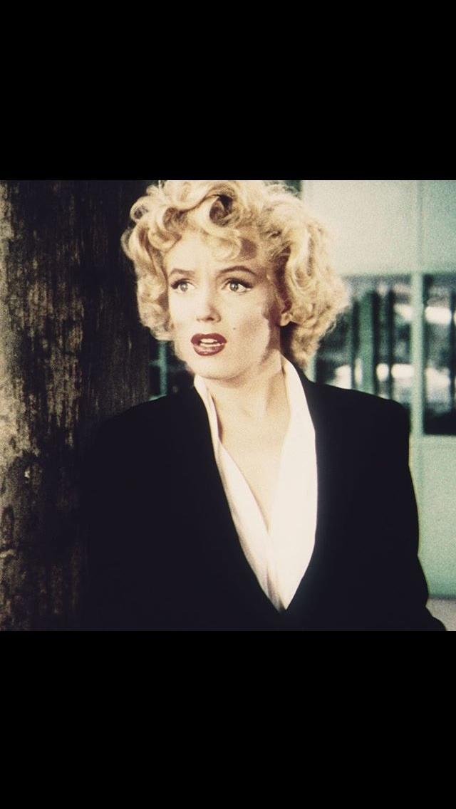 Elizabeth Taylor or Marilyn Monroe?