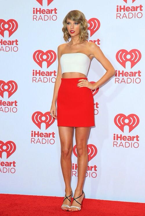 Who has the hottest body: Taylor Swift, Rihanna, Ciara or Beyonce?