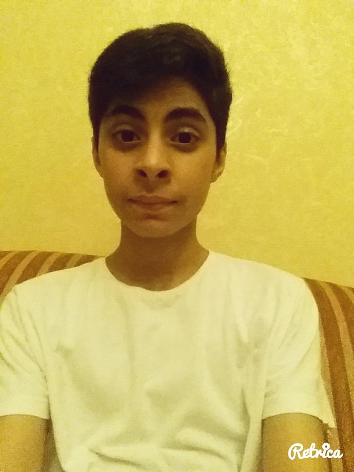 Girls, Do I look hot or even cute? (Attractive) Or ugly?