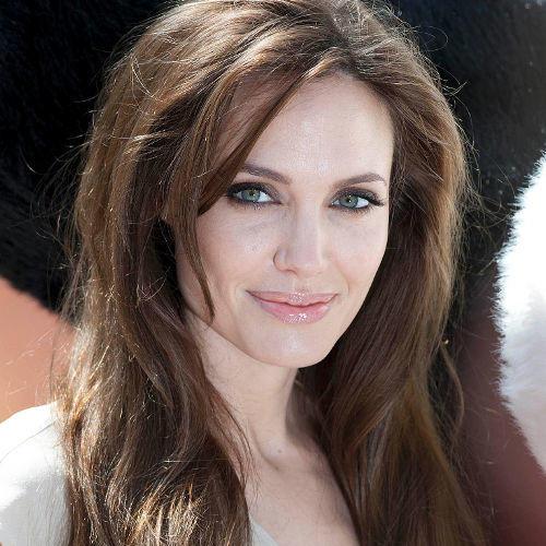 Who else thinks she's beautiful?