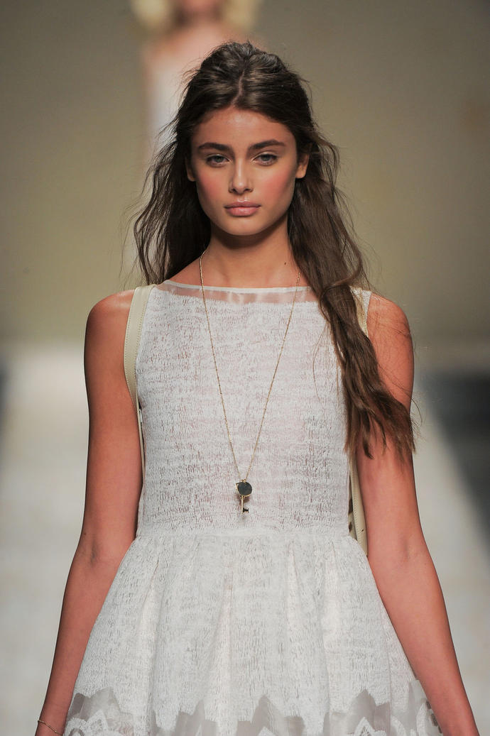 Rate Taylor Hill/10 ?