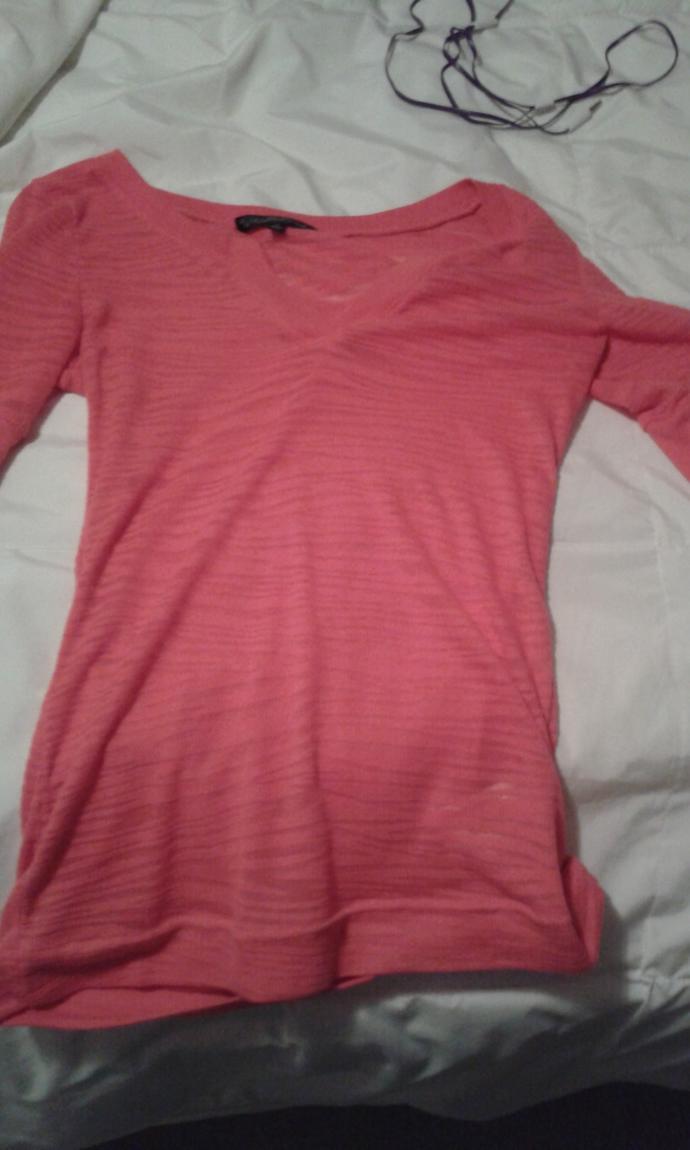 Girls, Do people still wear this kinda shirt?