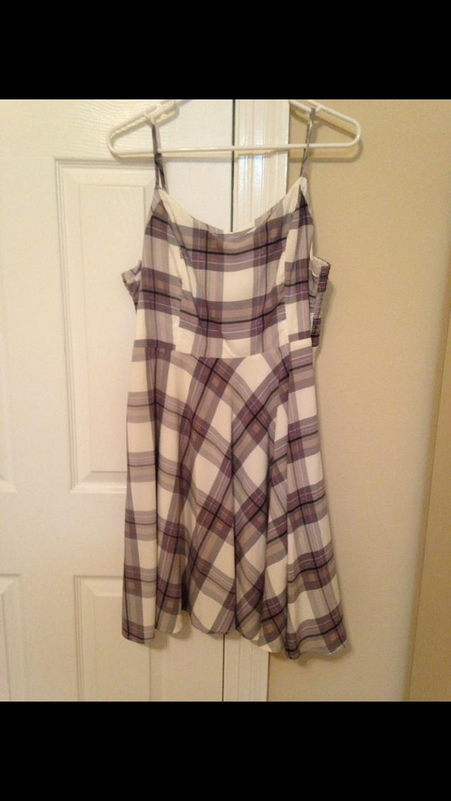 Girls, what color would match this dress?