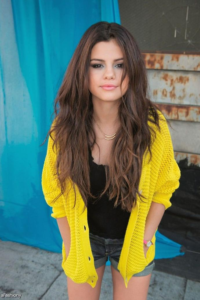 Who's the prettiest ex Disney/Nickelodeon star?