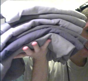 Would you date someone who only has grey T-shirts that look exactly the same? Or would that bother you?