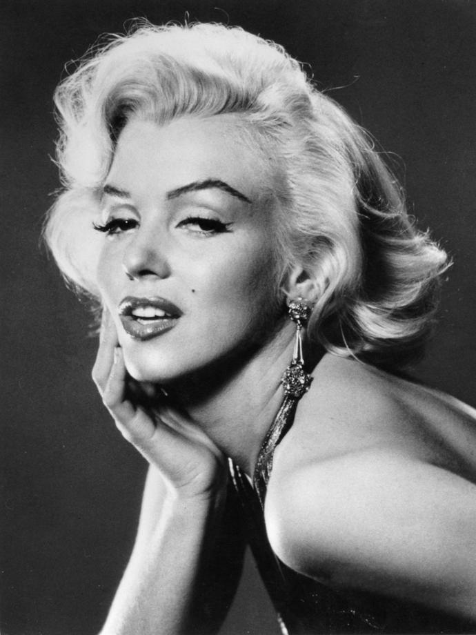 Who's sexier Marilyn Monroe or audrey hepburn?