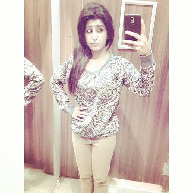 How do I look? rate me plz? wht do think about me? wht do u think is wrong in my style or fashion? wht else u want in me?